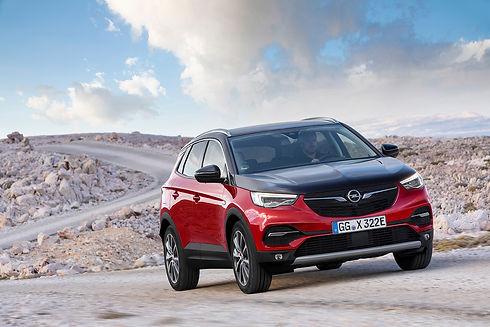 Opel-Grandland-X-Hybrid4-506686.jpg