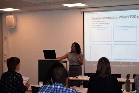 Gendering Smart Mobilities 2017