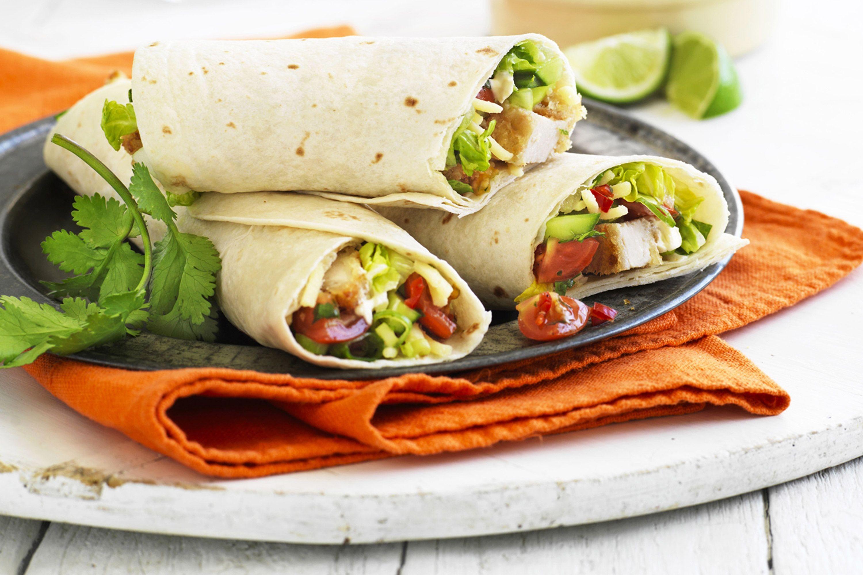 soft-chicken-wraps-with-tomato-salsa-91752-1