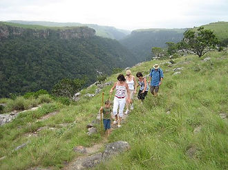 Umtamvuna River Lodge borering the nature reserve