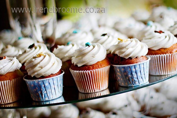 Vicky+-+cupcakes+2.jpg