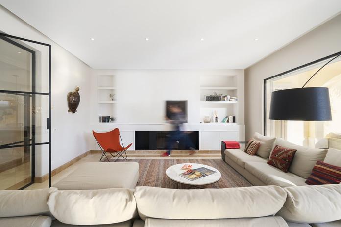 Living Room 2-1.jpg