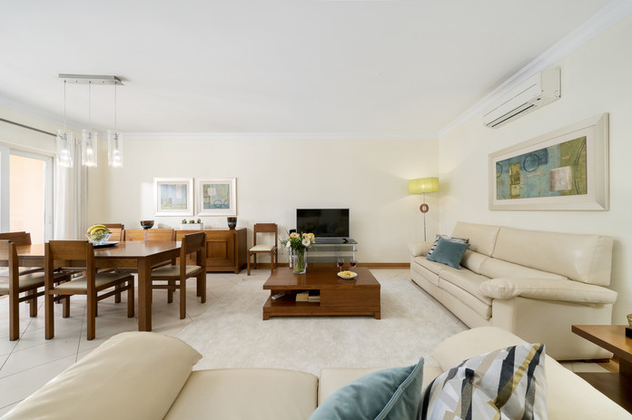 Living Room 1-1.jpg