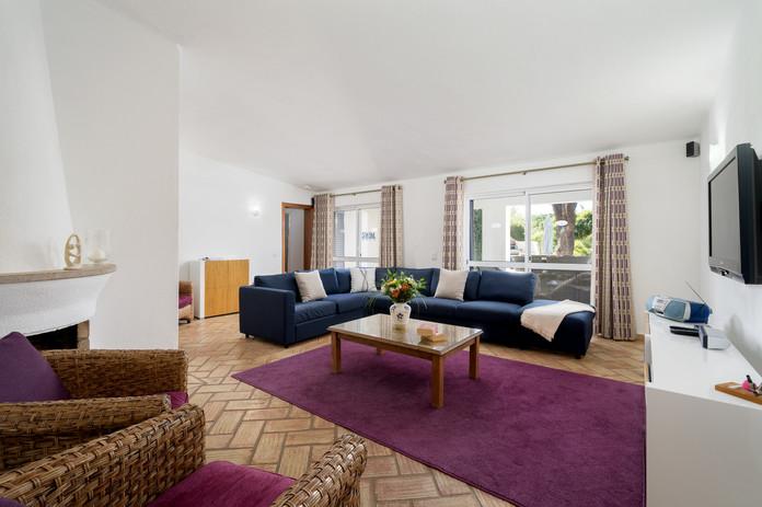 Living Room 3-1.jpg