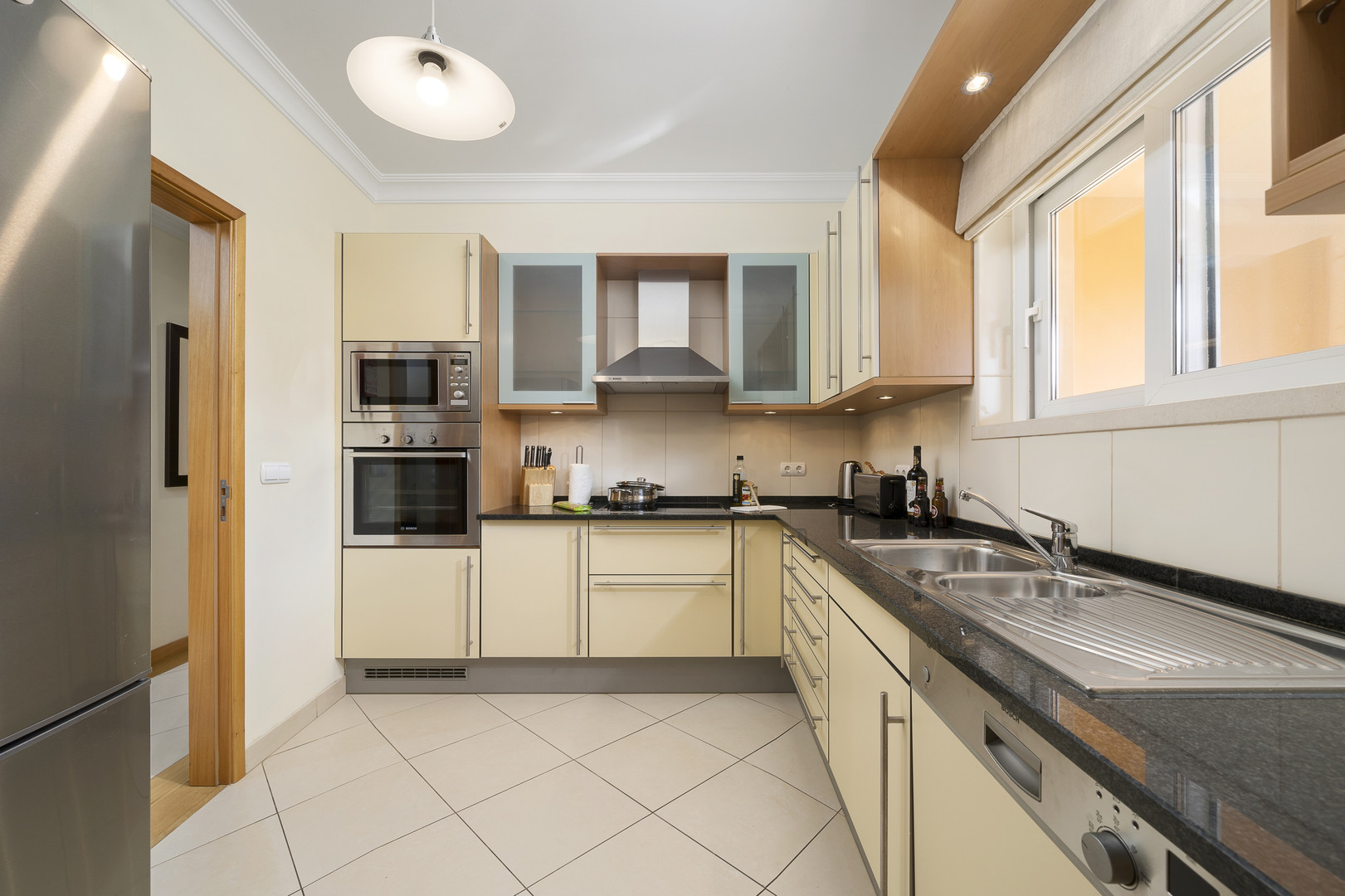 Kitchen 2-1.jpg