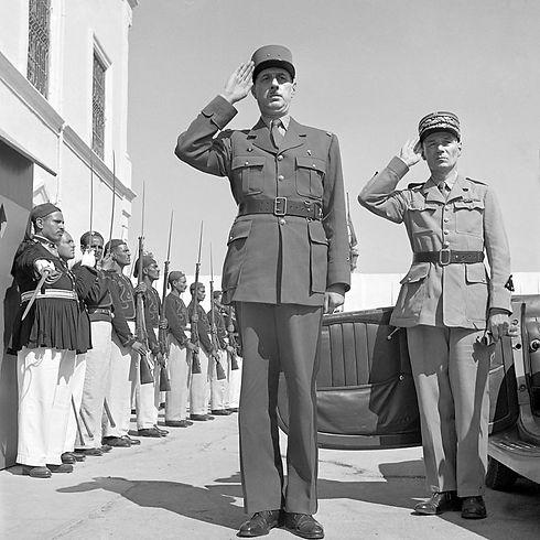 Charles_de_Gaulle_1943_Tunisia.jpg