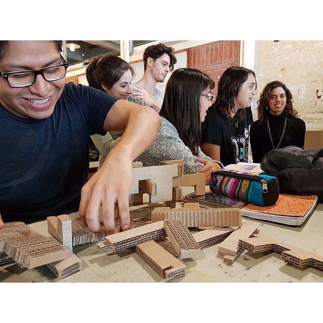 """Materia electiva de arquitectura """"Invest"""