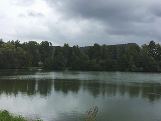 Nieselregen am Baggersee