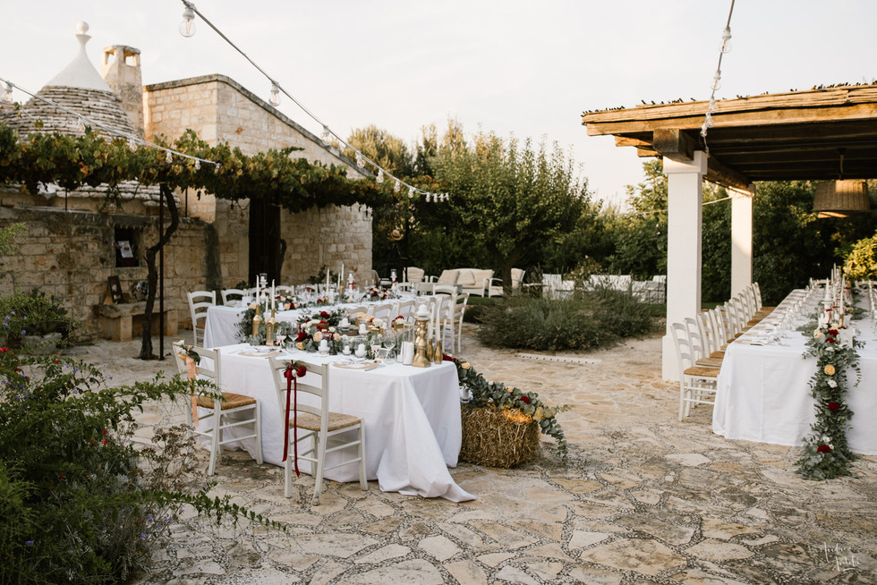 27- Girls wedding in Polignano.jpg