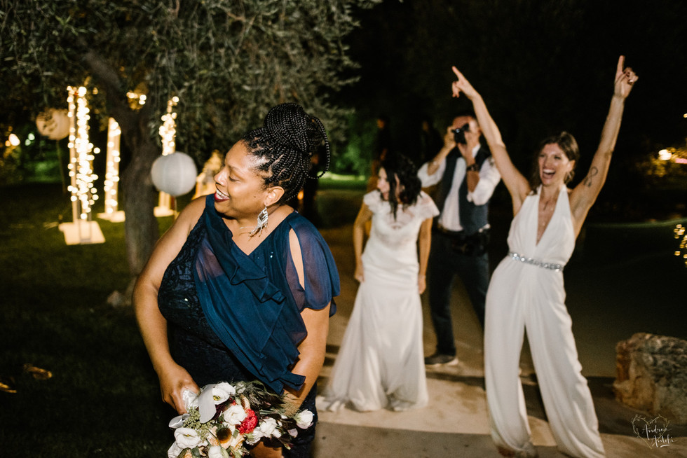 53- Girls wedding in Polignano.jpg