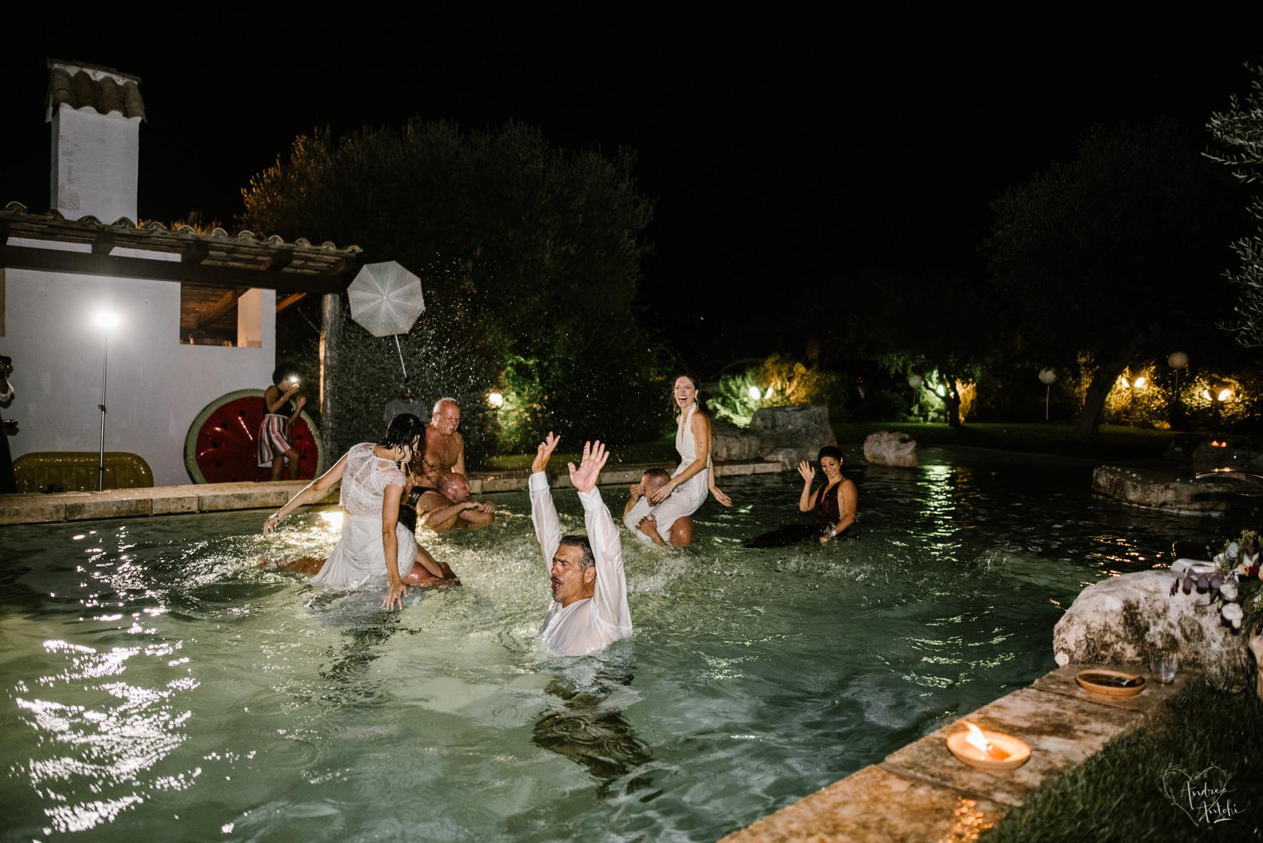 55- Girls wedding in Polignano.jpg