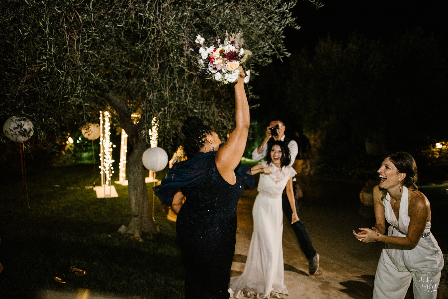 52- Girls wedding in Polignano.jpg