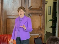 Senator Jeanne Shaheen makes campaign stop in Philly