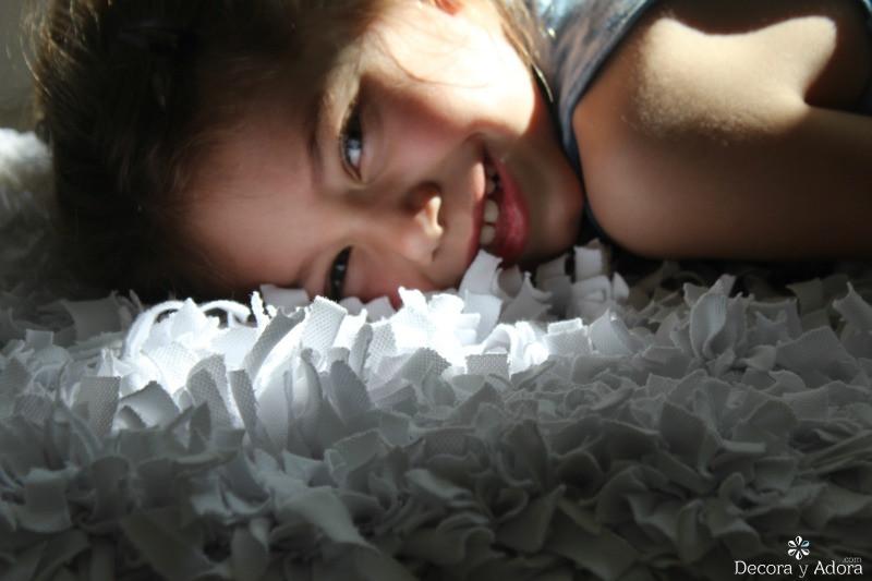 suave alfombra de nudos con retazos de tela