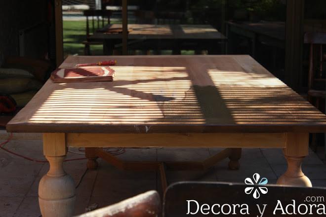 lijar cubierta restaurar mesa con técnica de muñequilla