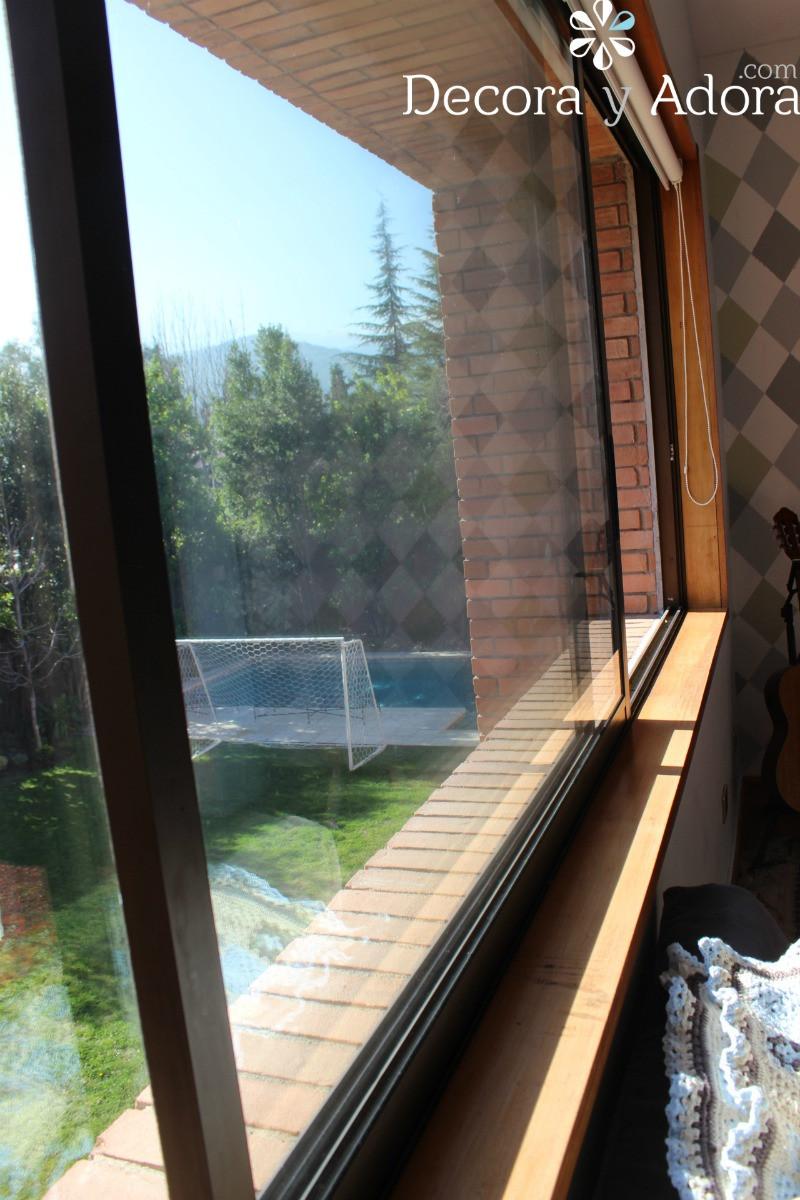 bella vista a la piscina en sala de estar