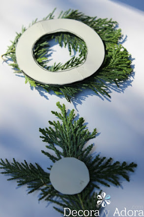 hazlo tu mismo envoltorio navidad con ramas de pino