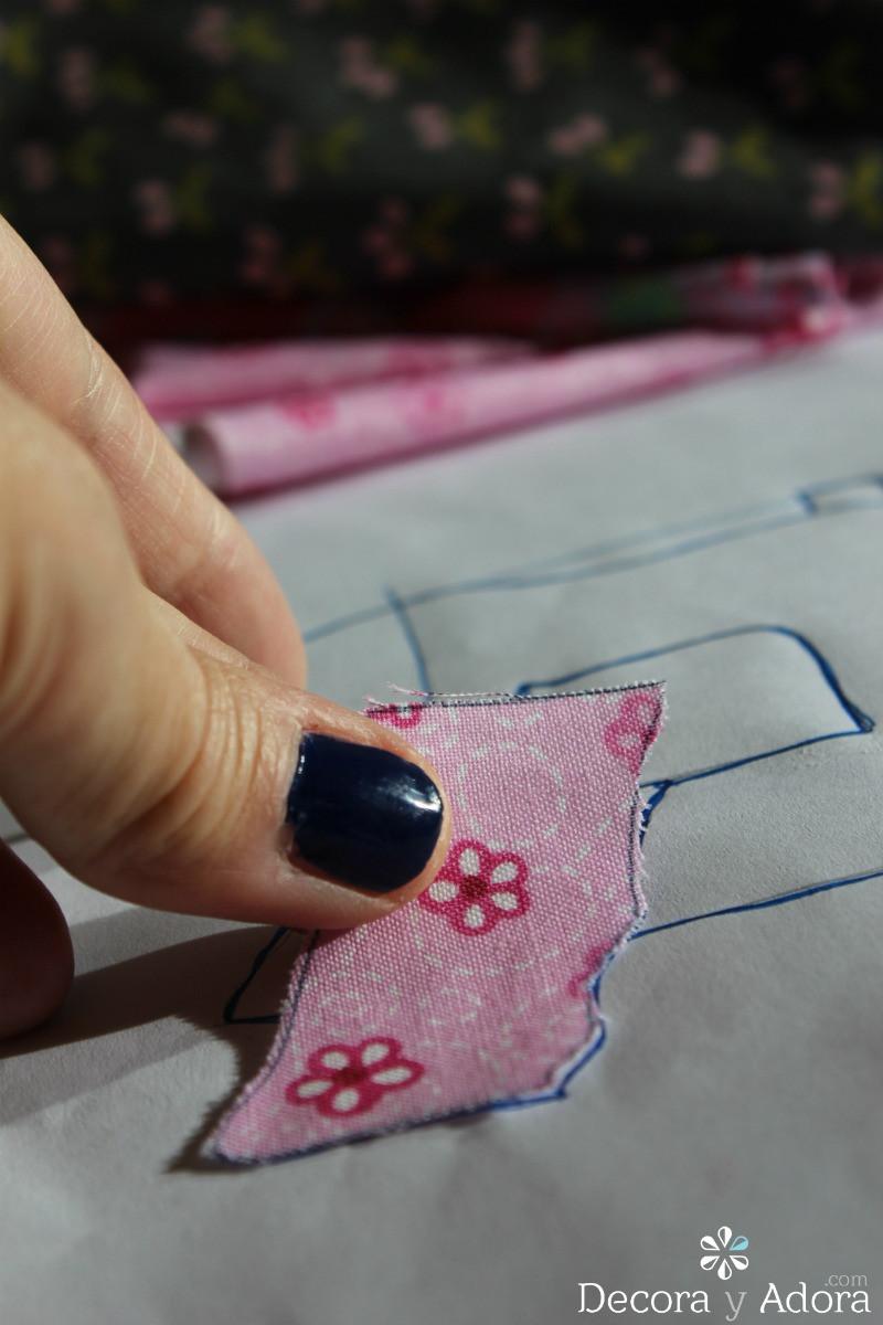 colocando aplicación de funda de máquina a coser