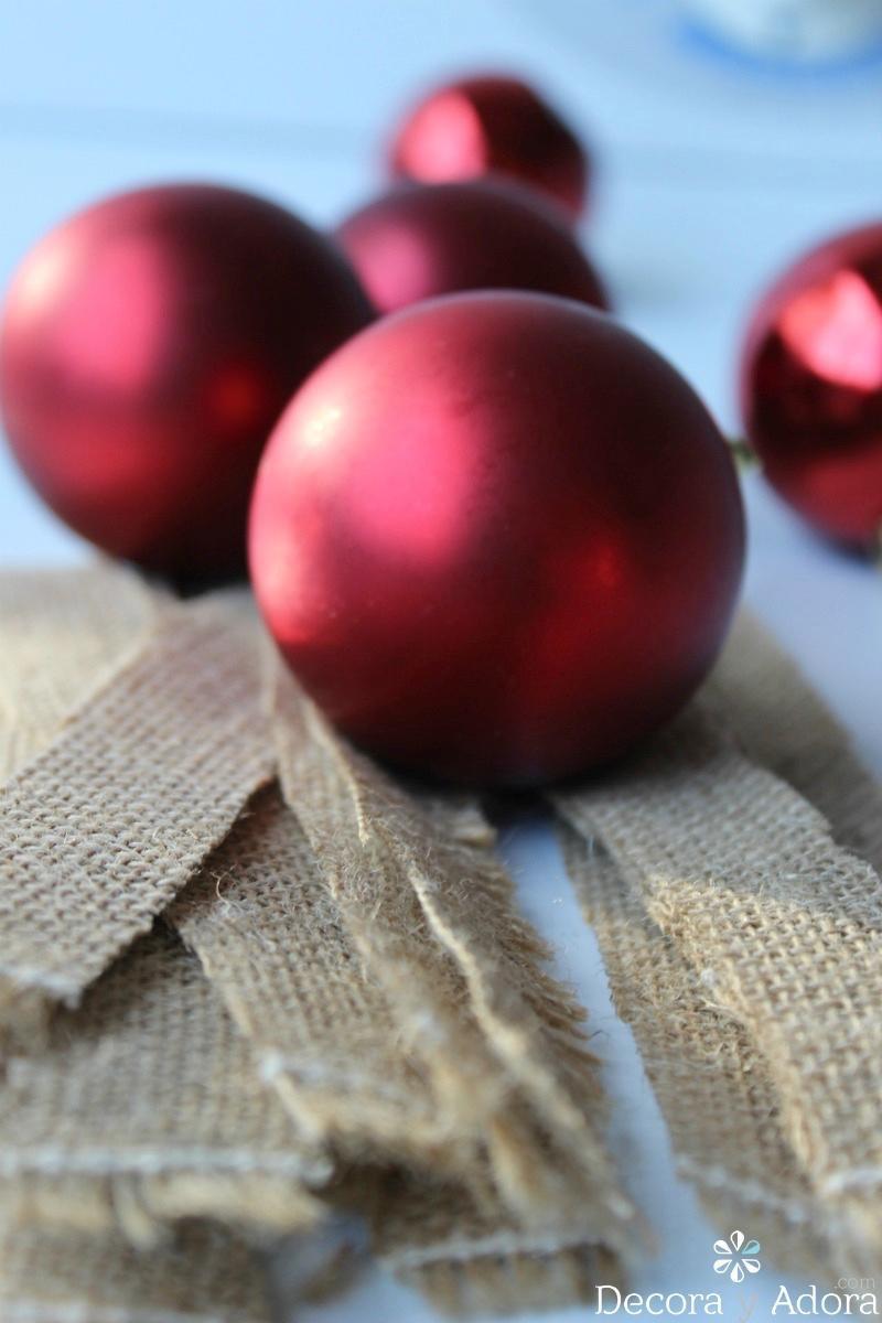 como reciclar esas bolas de navidad pasadas de moda