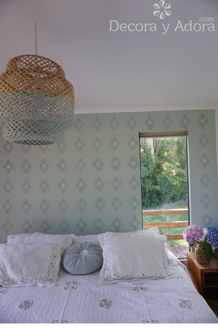 pintar lámpara de mimbre de dos colores muy fácil en casa del lago
