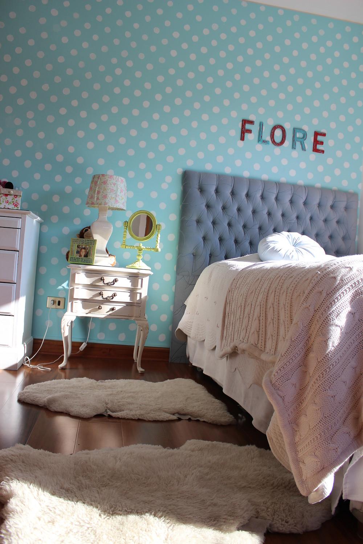 pared pintada de lunares dormitorio niña