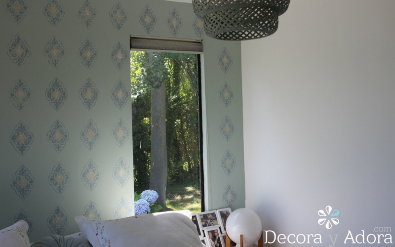 hermosa pared pintada con stencil