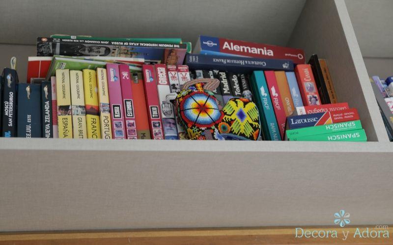 detalles de colocación de libros en biblioteca