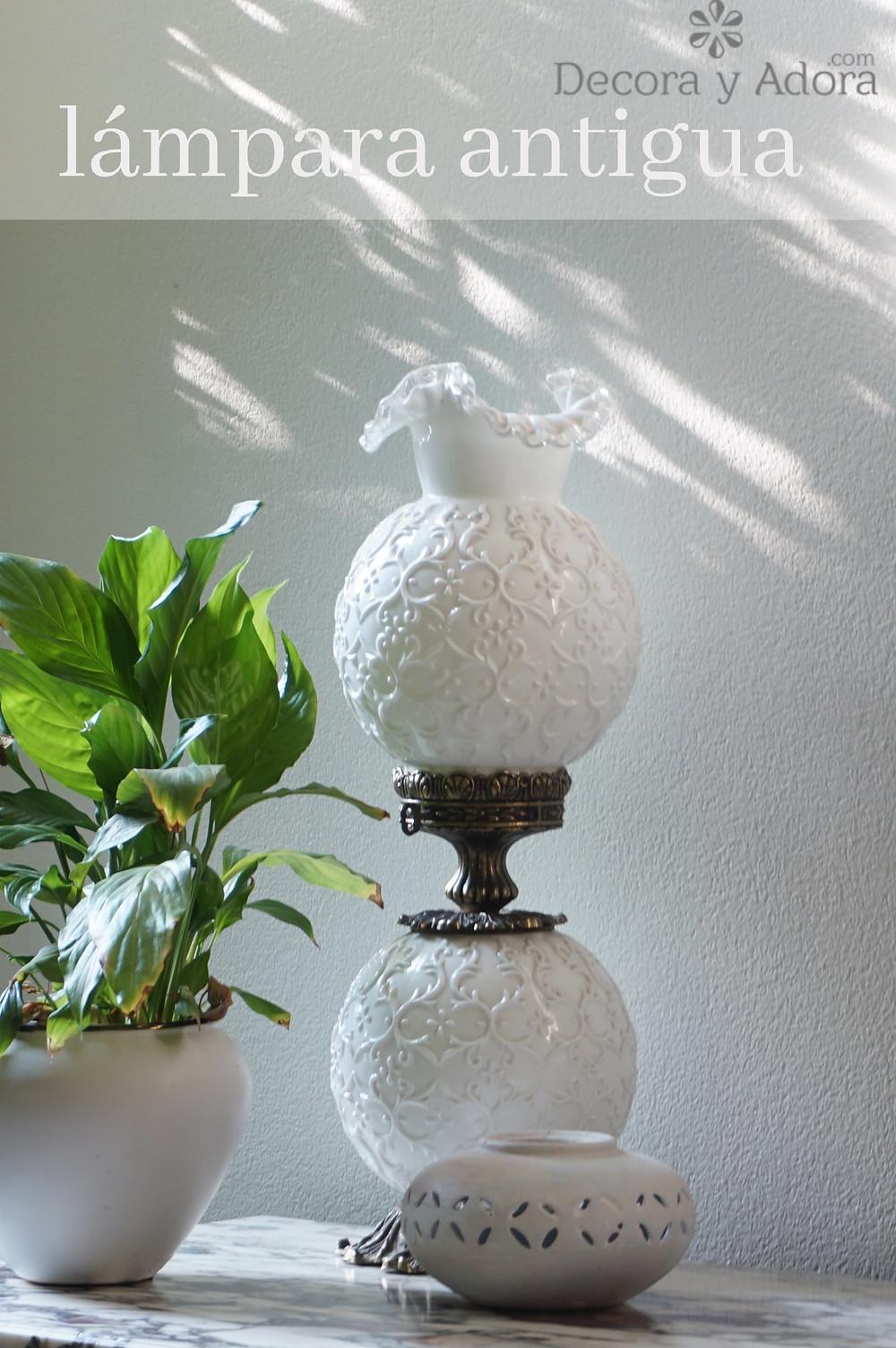 lámpara antigua en mi hall de entrada