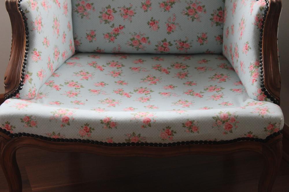 hermoso sillón tapizado por ti miosmo