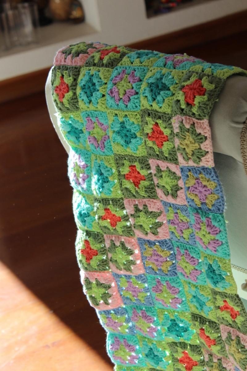 coloridos cuadraditos para cortina a crochet