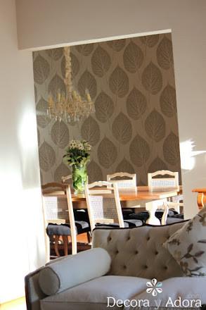bello comedor estilo clásico con muebles reciclados