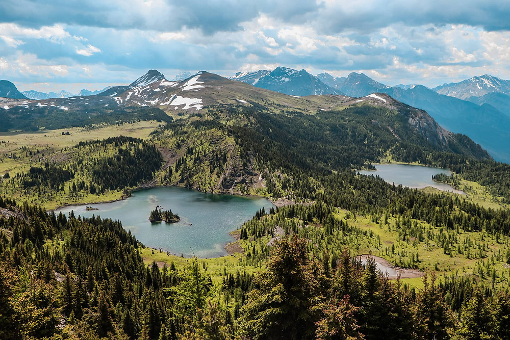 5-day hiking itinerary in Mount Assiniboine Provincial Park