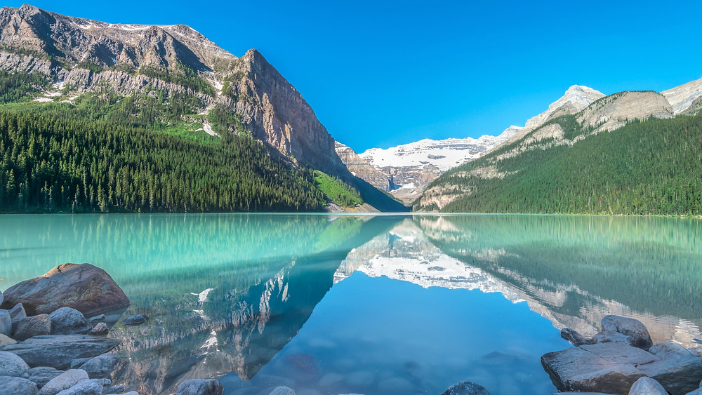 Lake Louise and Icefields Parkway Day Tour from Banff