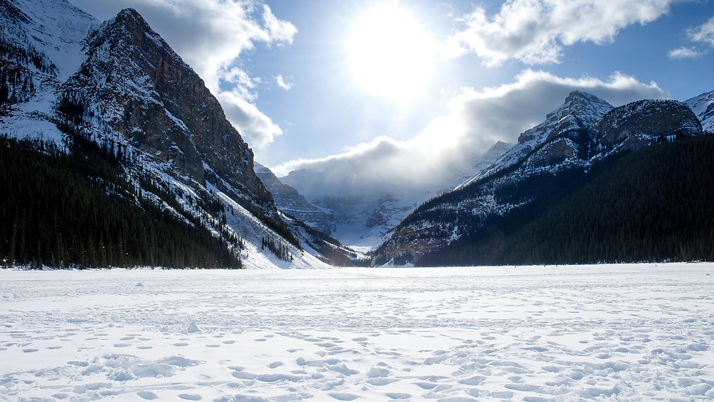 Lake Louise Winter Tour from Banff