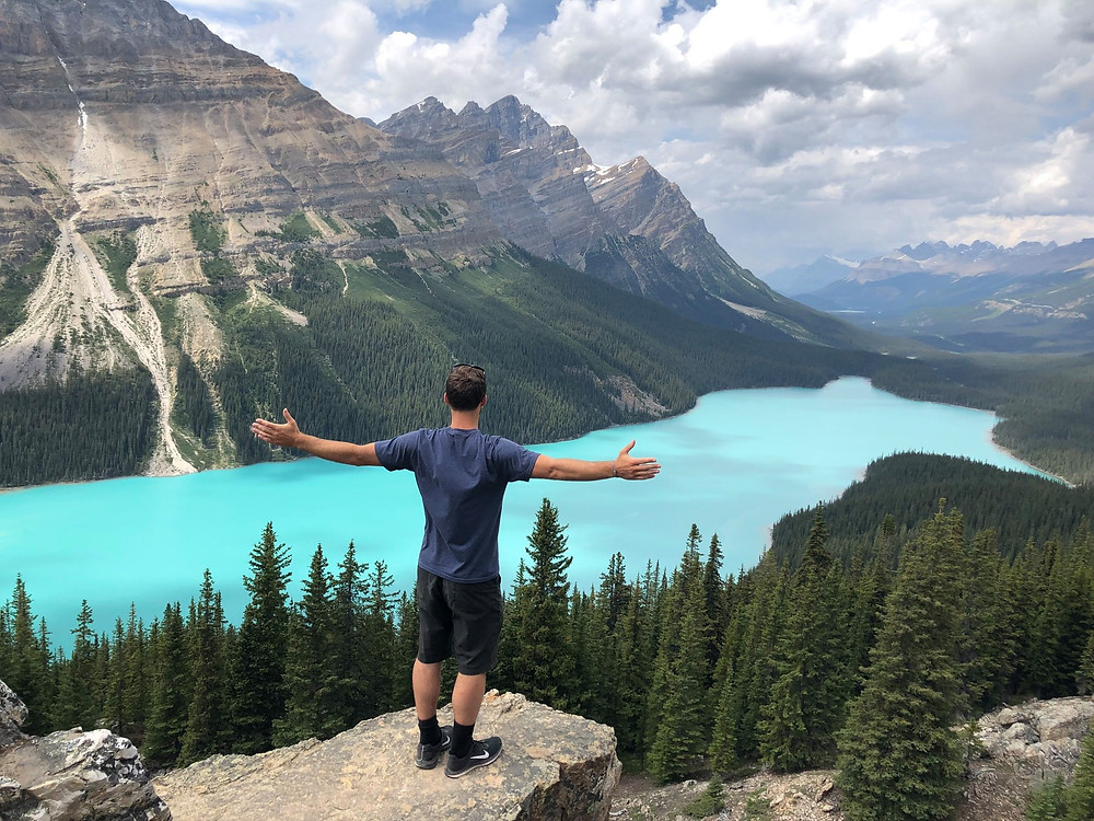 How to find the secret viewpoint at Peyto Lake in the Canadian Rockies