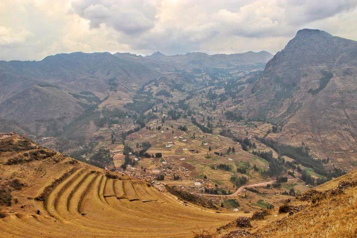 travel to peru and its pisac ruins