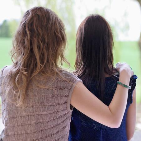 La socio-esthétique est un outils qui permet de rompre l'isolement.
