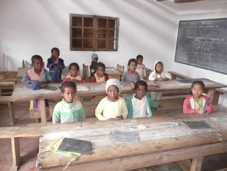 Enfant en classe.jpg