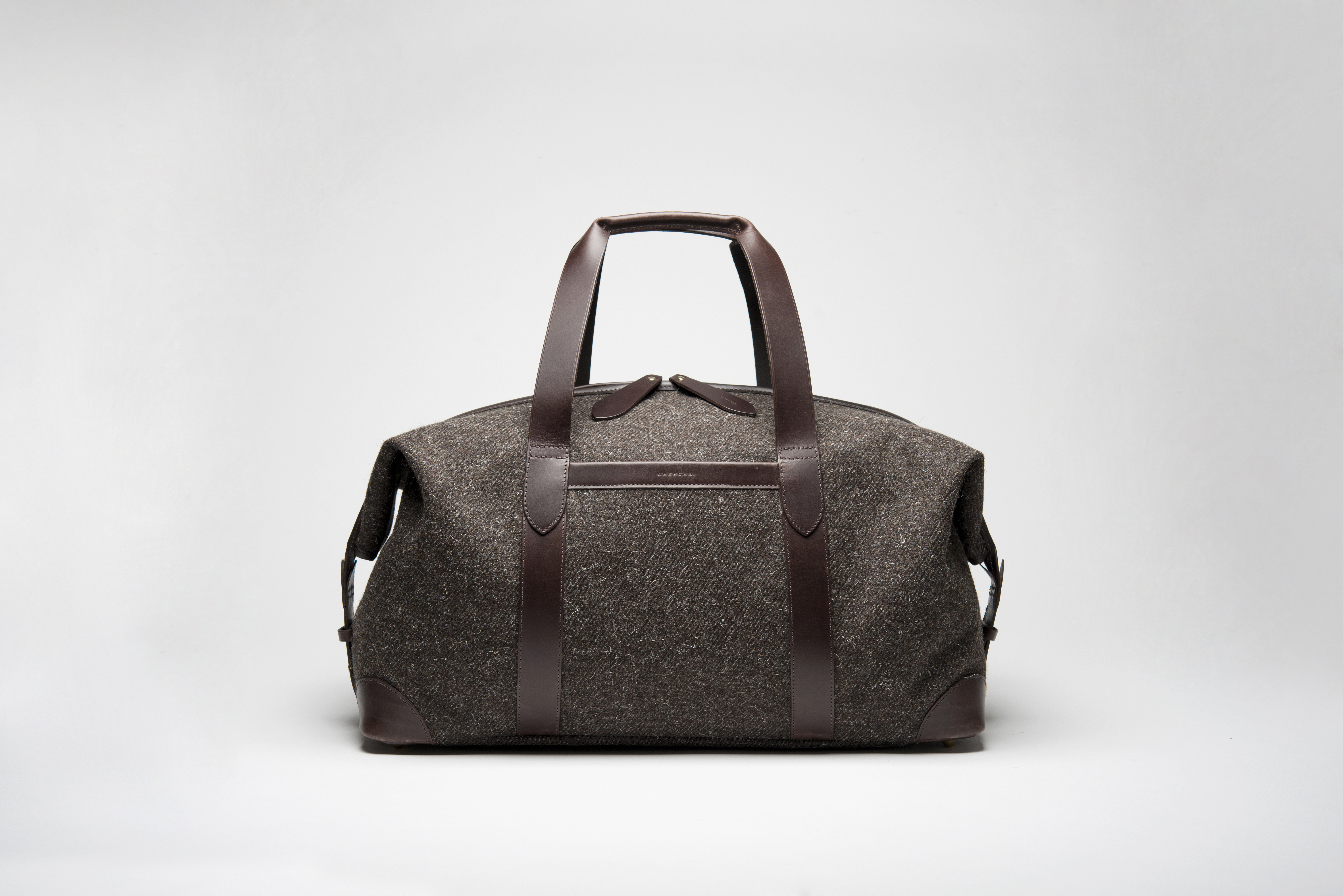Cherchbi Squires Large Holdall in Brown Herdwyck tweed front