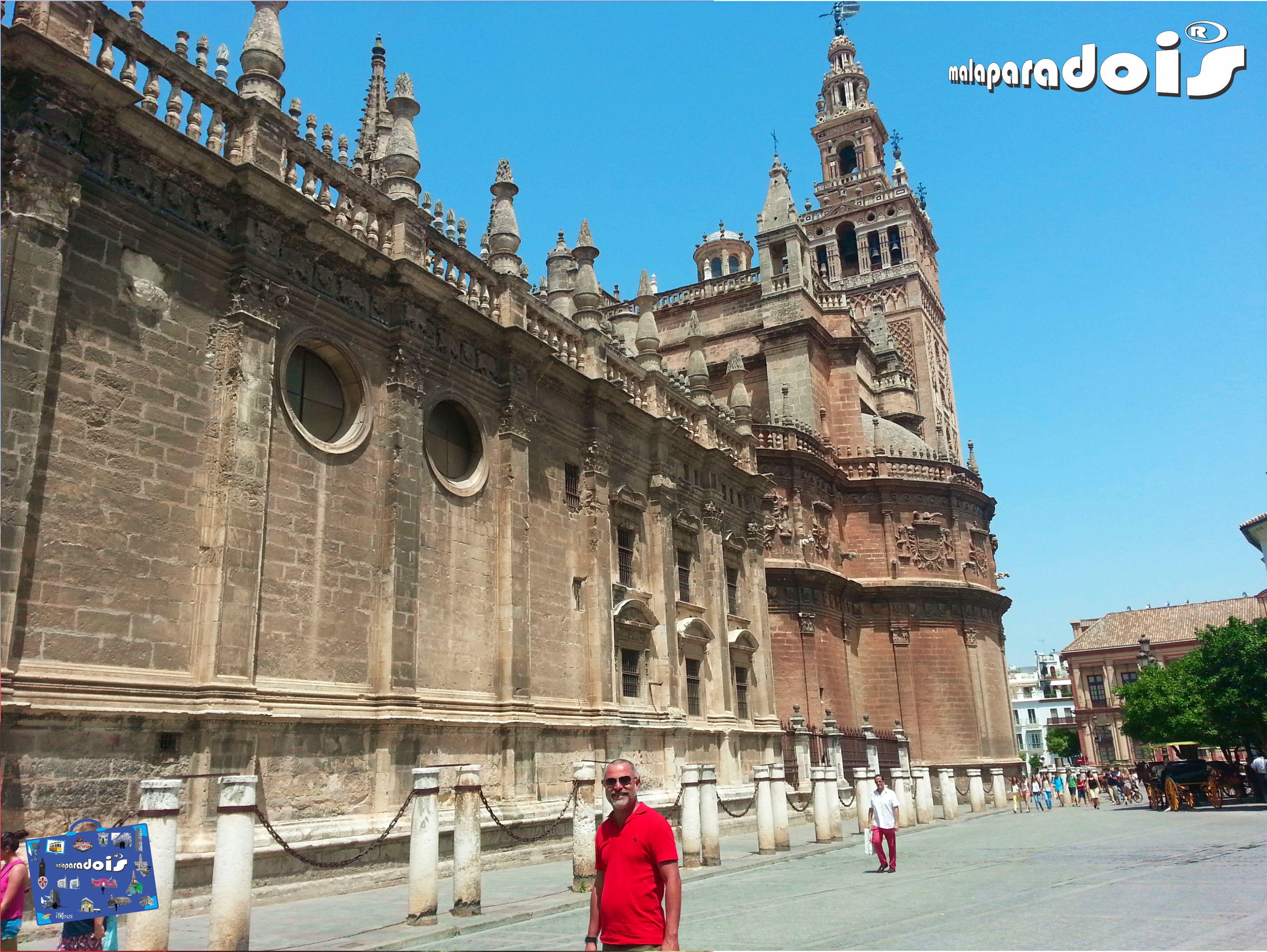 La Giralda, A Catedral de Sevilha