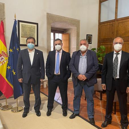 Reunión con el presidente de la Junta de Extremadura el pasado 12 de Mayo