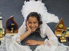 Shamika Hoeta a singing star in Stratford