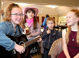 Young country singers bring home awards