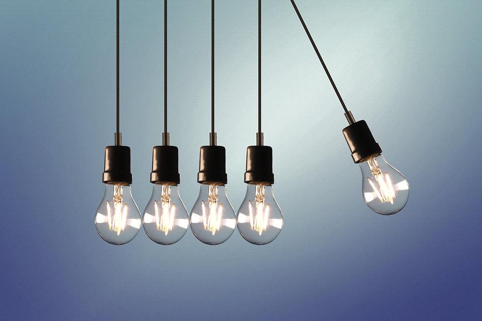 five-bulb-lights-1036936_edited_edited.j