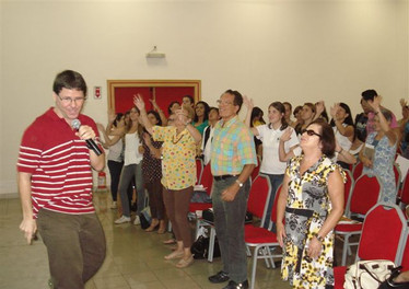"""""""Watch, Sing and Learn – Teaching English Through Videos and Songs"""""""