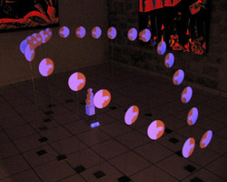 Petits couples - Installation fluo