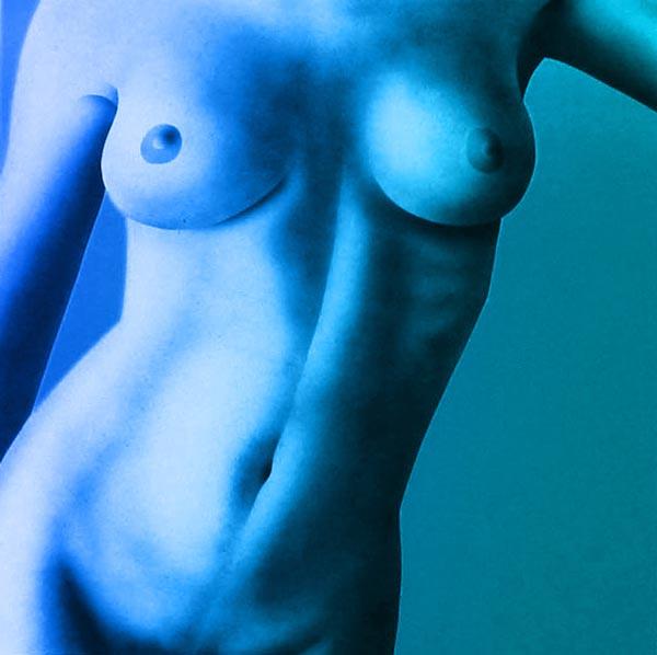 costaude-bleue.jpg