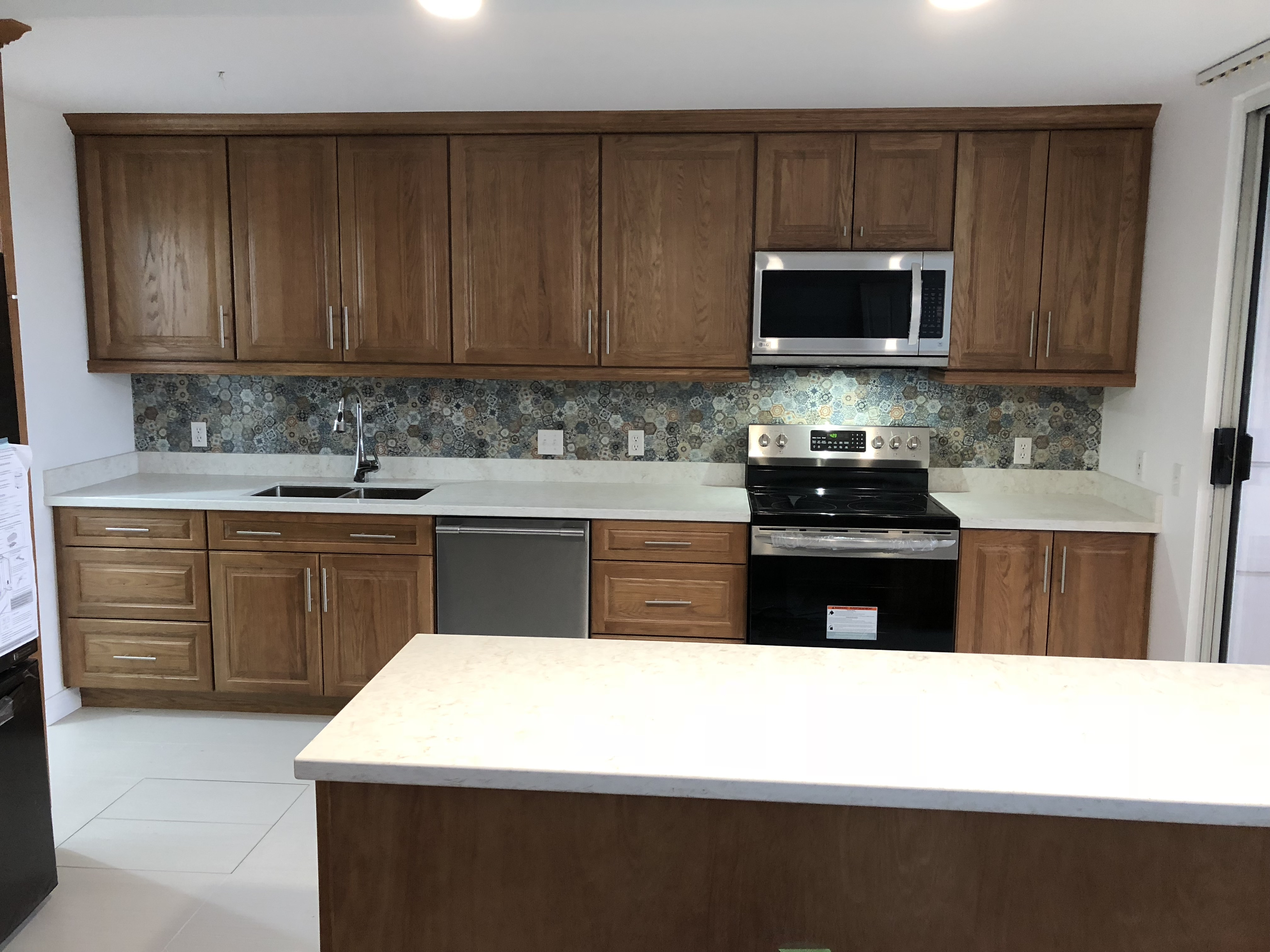 Condo Kitchen After (Coquitlam 2)