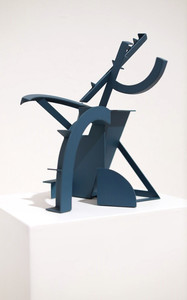 """Esqueleto Azul"" Hierro pintado 39.5 x 26.3 x 27 cms Pieza única Firma grabada: DL 06.10.18"