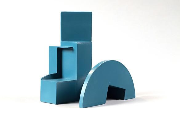 """""""Propuesta Aquitectónica #1"""" Hierro pintado 26 x 25 x 19 cms Pieza única Firma grabada: DL 03.09.18"""